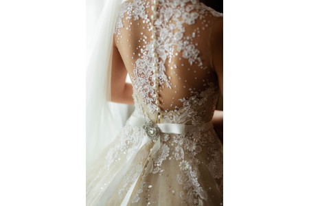 Какой бюстгальтер выбрать к свадебному платью? Рекомендуемые комплекты нижнего белья